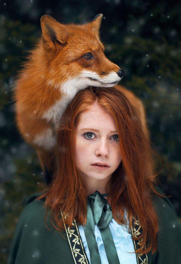 Рыжие) девушка и лиса)