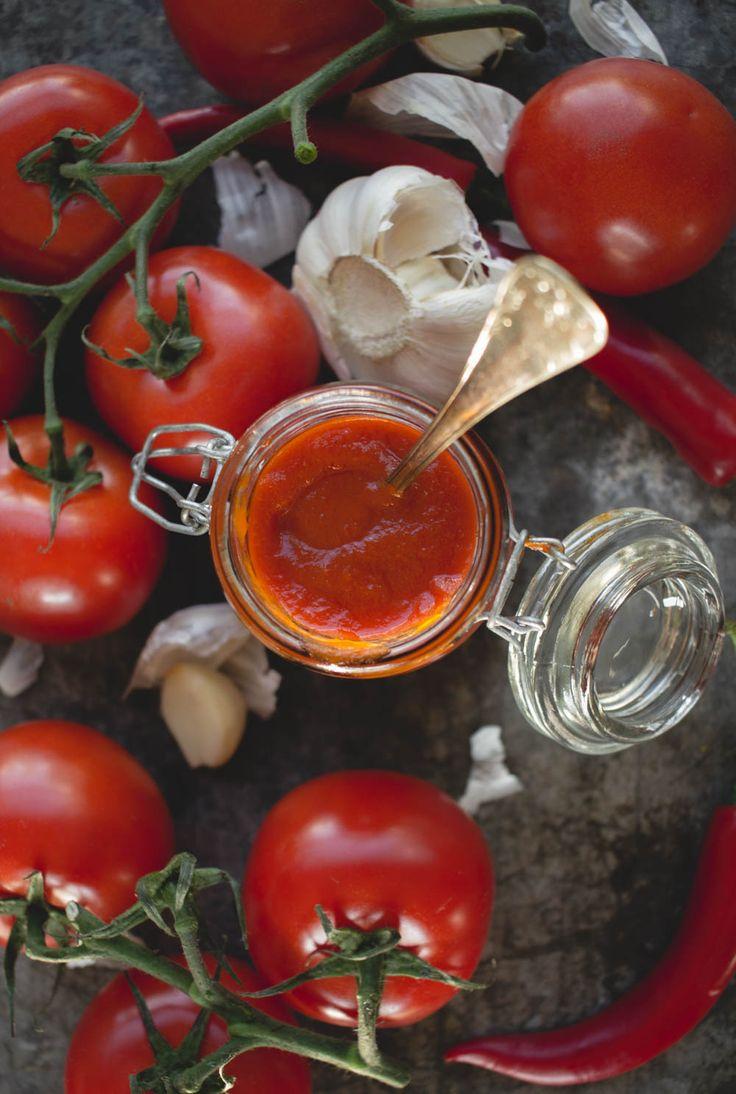 Egen ketchup med smak av vitlök och chili