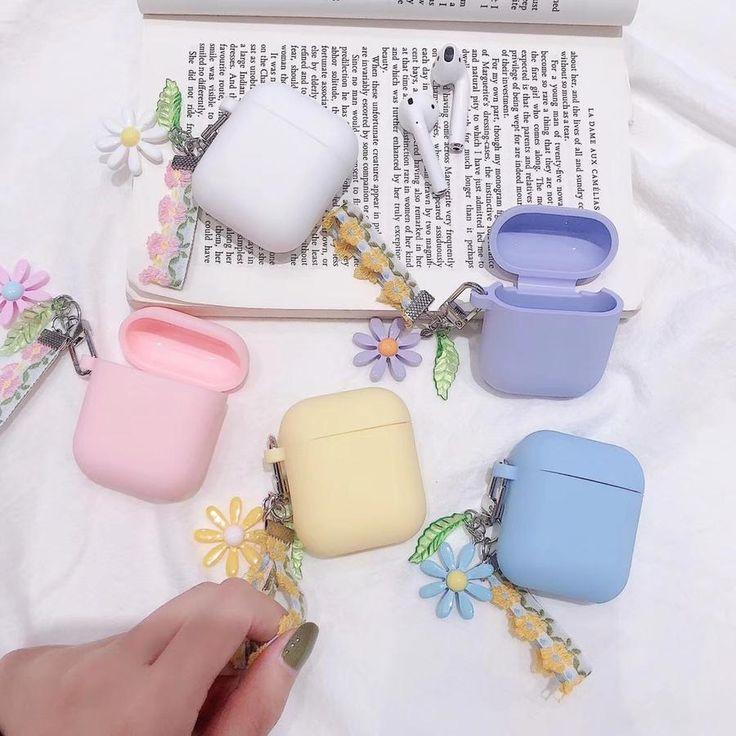 Silicone Wireless Headphones Case 'Pastel Flower Field'
