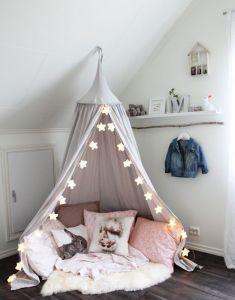Çocuk odalarında basit ve eğlenceli alanlar yaratabilirsiniz.