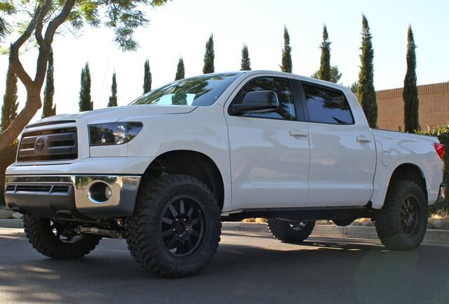 """Lifted Tacoma For Sale >> PROCOMP 4"""" LIFT with 35 toyo mt   Tundra crewmax, Toyota ..."""
