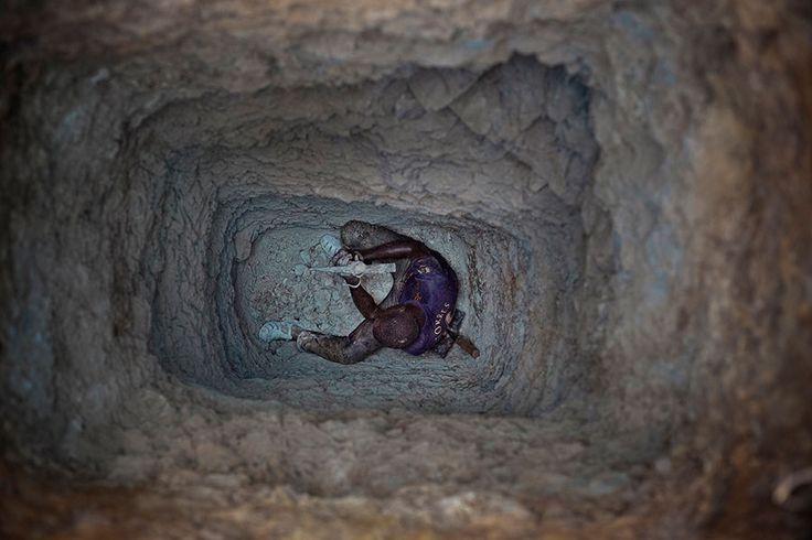 matjaz-krivic-burkina-faso-gold-mines-digging-the-future