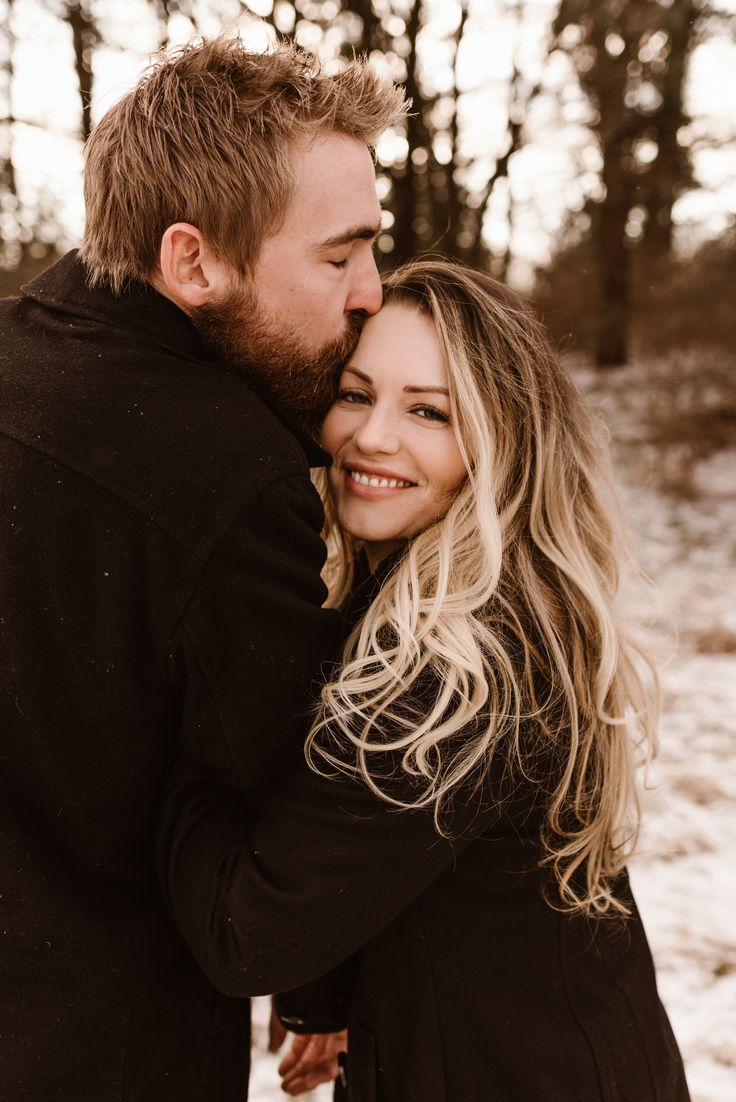 Texas Couple Braves Nebraska Winter for Engagement Session