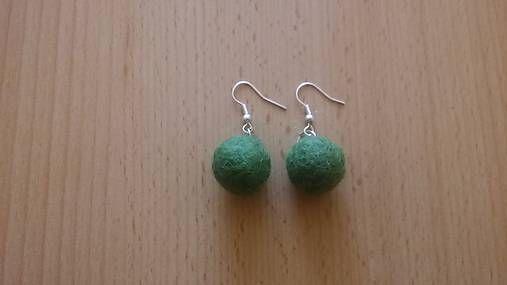 kikulienka9 / Zelené guličky - náušnice