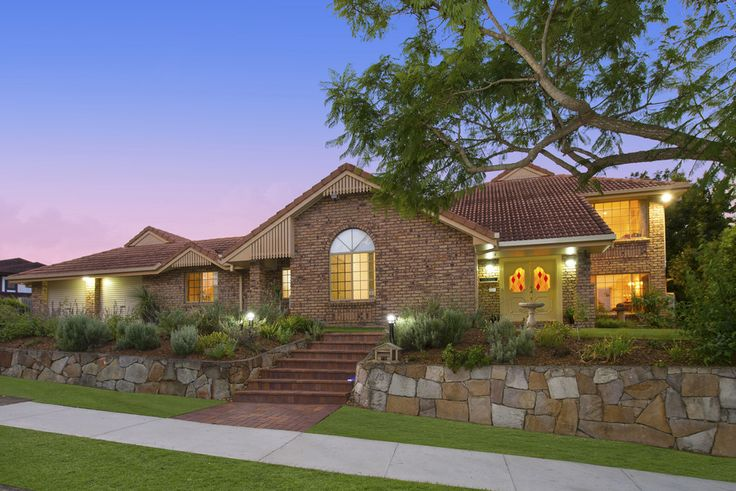 75 Stanmere St. Carindale 6 Bed 3 Bath 2 Car  http://www.belleproperty.com/renting/QLD/Southside/Carindale/House/43P2699-75-stanmere-street-carindale-qld-4152
