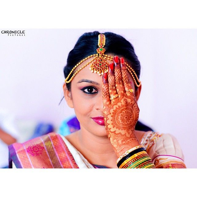 Such a gorgeous design. Give a girl the right colours on her hand and she can conquer the world!  Tag a girlfriend who just cant wait to wear mehendi!  #chroniclepictures #MJArt #bride #chronicle #bangalorediaries2015 #bengaluru #lov  (at Chronicle Pictures)