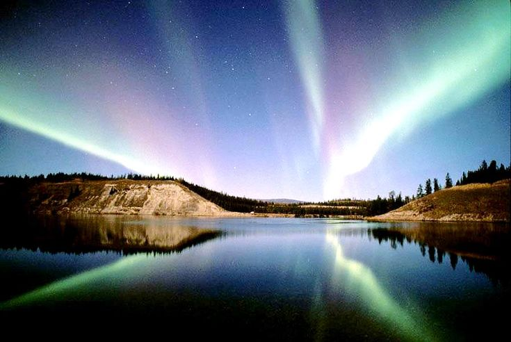 10 PM Gaze at the Aurora Borealis  One of the best reasons to head to Canada for vacation is to catch the beautiful Northern Lights