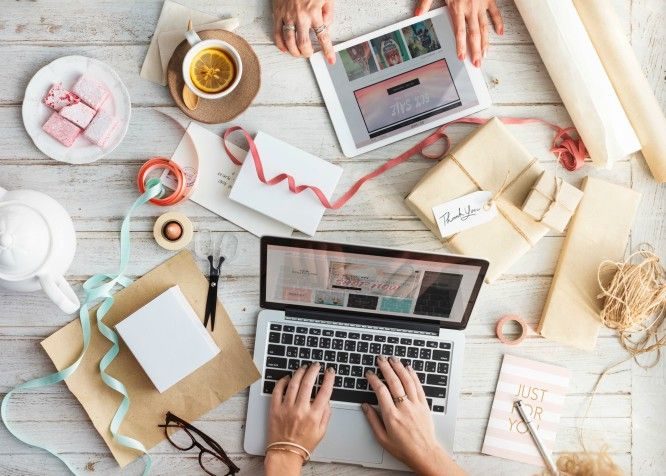 eCommerce Stores - Dropshipping -  Making money online is not a myth, instead, every day the number of online entrepreneurs increase. Here's everything you need to know as a beginner