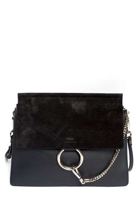 Sac Faye Cuir & Daim Chloé Le sac Faye signé Chloé est réalisé dans un patchwork de matière en daim et cuir lisse noir. Ce sac épaule présente une bandoulière ajustable. Il est doté de détails argent. 33 x 26 x 4 cm Daim, Cuir