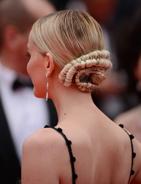 Jess Weixler's Unique Take - Enchanting Braided Looks From Our Favorite Celebrities  - Photos