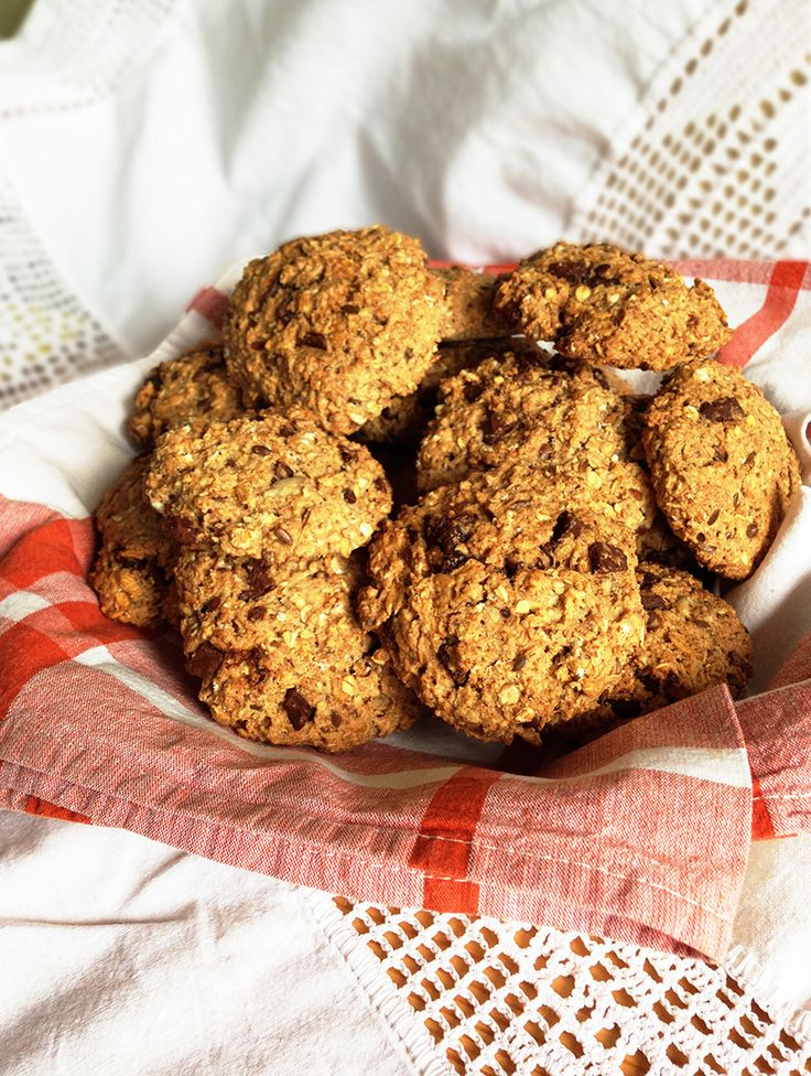 3 easy-oatmeal-chocolate-chip-cookies-how-to-make-muesli-bobs-red-mill-coconut-oil-honey-raisins-choco-chips-dairy-free