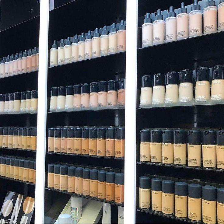 Mille formule finish e risultati diversi!  @maccosmetics offre un'infinito range di fondotinta per tutte le esigenze!  Studio Fix Fluid Face And Body Pro Longwear e Studio Sculpt sono solo alcuni dei più famosi del brand cosmetico canadese   Avete mai provato un fondotinta MAC? QUAL È IL VOSTRO PREFERITO? O QUALE VORRESTE PROVARE?  (pic: @samaayaa)  #mac #maccosmetics #macfoundation #foundation #face #facemakeup #colours #makeup #beauty #instamakeup #instabeauty #beautyblogger #bblogger…