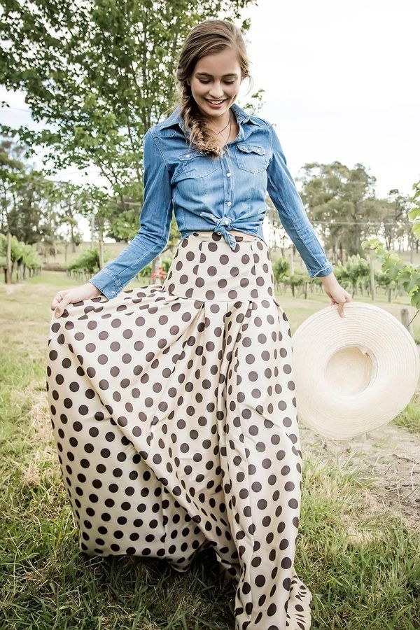 Shabby Apple - Waltzing Matilda Ball Skirt. I don't know if I could pull this off, but I absolutely love the look of it.