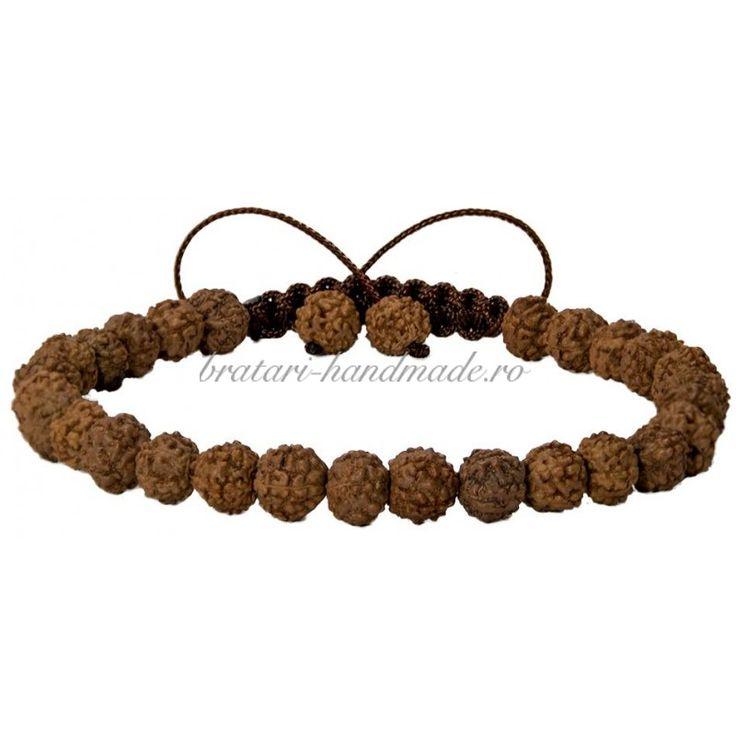 Realizata din seminte de Rudraksha diametrul 6 mm, aceasta reprezinta chintesenta bratarilor spirituale.O Shamballa potrivita pentru doamnele si barbatii interesati de spiritualitate, care prefera bratarile Rudraksha mai delicate.Rudraksha sunt semintele fructului din copacul Eleocarpus, copac care