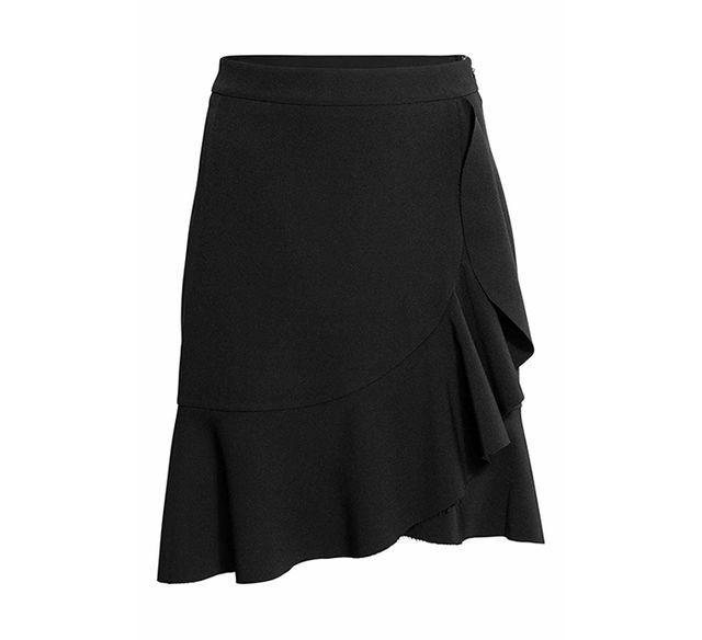 falda con volantes en negro - (La compra de la semana: falda midi con volantes | Devil wears Zara)