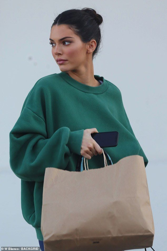 Lunch to go: After the short shoot, Kendall stopped to pick up food… #kendallj…