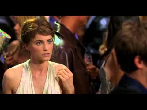 Szerelem sokadik látásra (A Lot Like Love) színes, magyarul beszélő, amerikai romantikus vígjáték, 107 perc, 2005 (12) rendező: Nigel Cole forgatókönyvíró: C...