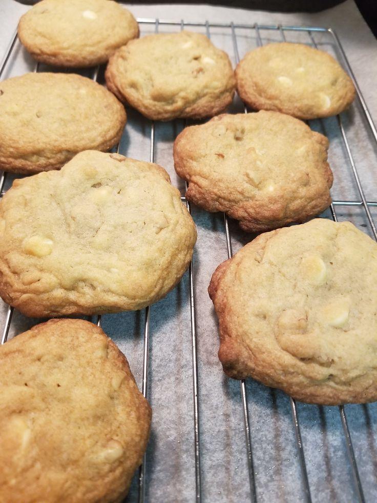 Make and share this White Chocolate Chip Macadamia Nut Cookies recipe from Genius Kitchen.