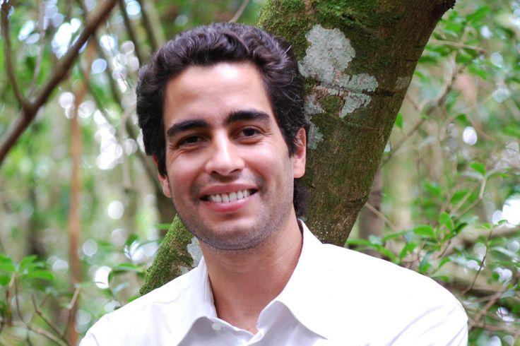 O botânico Ricardo Cardim conta como desenvolveu uma técnica para restaurar a Mata Atlântica na cidade de São Paulo. E ganhar dinheiro com isso.
