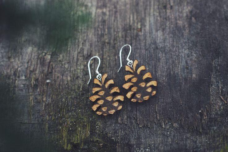 Pienet käpykorvakorut / Small pineconeearrings