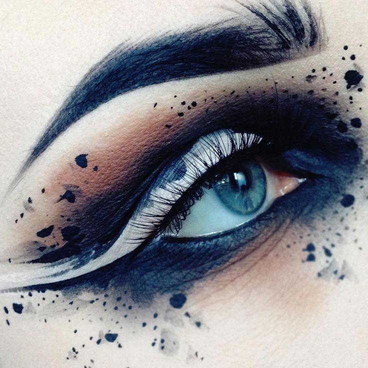 Make way for a makeup artist who truly knows how to stand out! More: http://blog.furlesscosmetics.com/ida-elina/