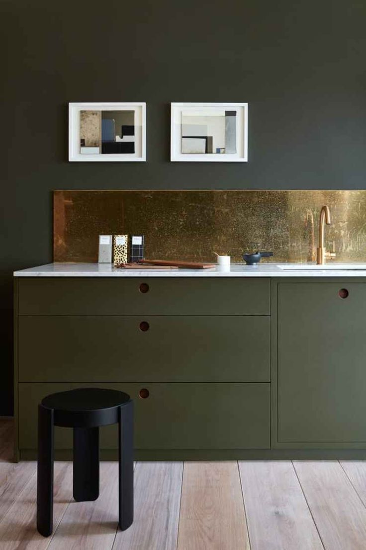 2017 biggest kitchen trends...muted colours, brass, open shelvings and restaurant grade appliances according to bespoke kitchen design company Papilio.
