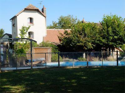 Propriété avec piscine et chambres d'hôtes à vendre à Pouilly sur Loire dans la Nièvre