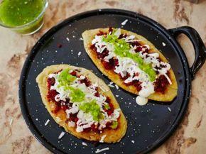 Receta de Tlacoyos con Chorizo   En estas fiestas patrias no te pueden faltar los tlacoyos, prepáralos con el ingrediente que más te guste y disfrútalos con todos tus invitados.