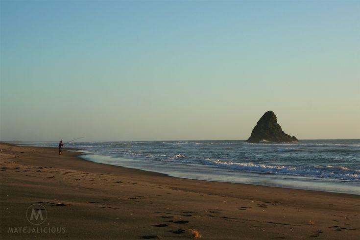 Karekare Beach Auckland - Matejalicious Travel and Adventure