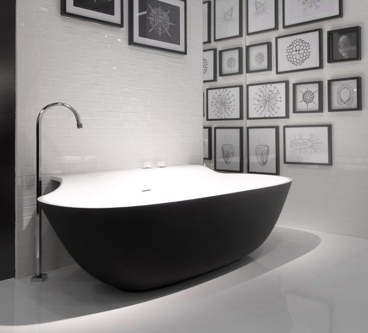Black Bathtubs For Modern Bathroom Ideas With Freestanding Installation Black Bathtub Modern Bathtub Bathroom Decor