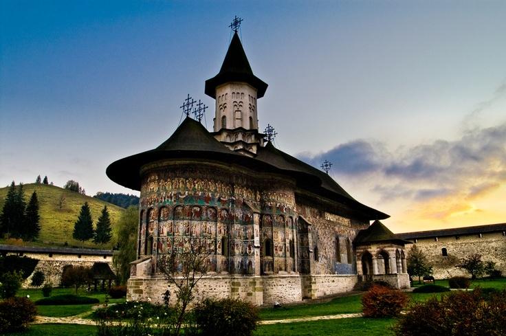 Sucevița Monastery - Bucovina, Romania (via Diego Elorza)