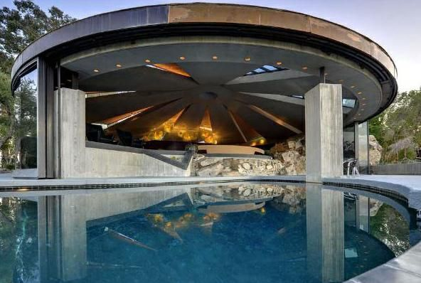 Million dollar houses modern to kitchens multi million for Modern million dollar homes
