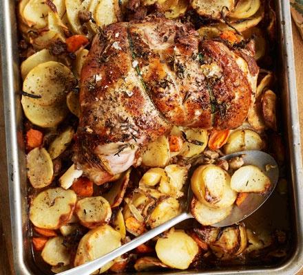 Garlic roast lamb recipe