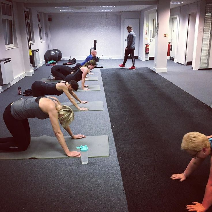 It was great stepping in and assisting Rob at DVCC St Albans. Everyone worked super hard...We even had to turn the air con up to  You may well notice the lesser spotted @lisabateswallis who took an evening off from the St Albans wine scene to sweat up a storm!!   #dvcc #stalbans #bedford #northampton #fitness #health #hitchin #miltonkeynes