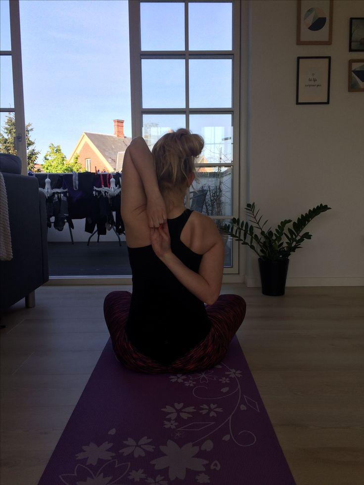 Yoga practice at home - stretch   Stretching the shoulders