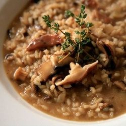Mushroom Risotto with Thyme, using Sushi rice.  yes I said sushi rice.
