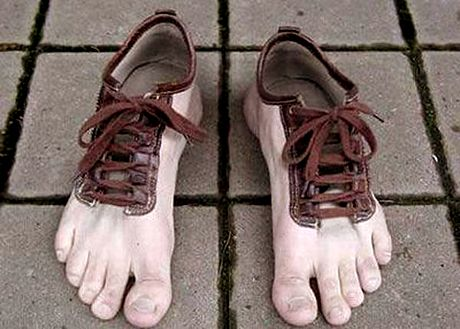 laced up feet: Barefoot Shoes, Funny Shoes, Crazy Shoes, Barefoot Running, Shoes Design, Funny Stuff, Weird Shoes, Feet Shoes, Toe Shoes