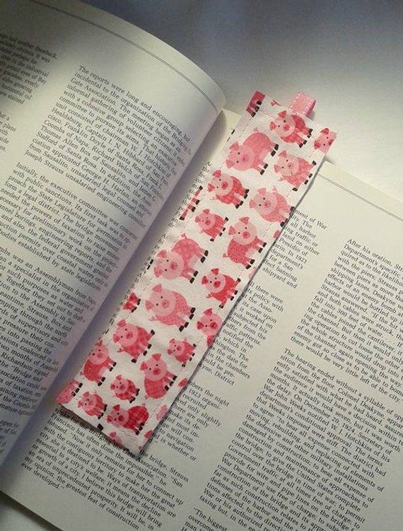 Pink Piggy Bookmark / Fabric Bookmark / Pink / Pigs