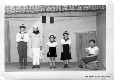 Regards et Vie d'Auvergne, le blog des Auvergnats.: Anciennes Photos de Familles en noir et blanc d'Au...