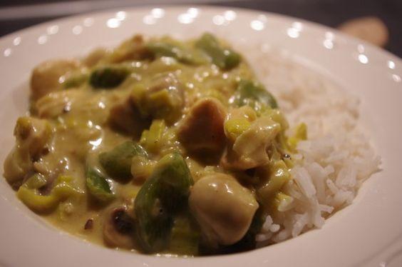 Een lekker en gezond recept zonder pakjes en zakjes voor romige kip kerrie met rijst.