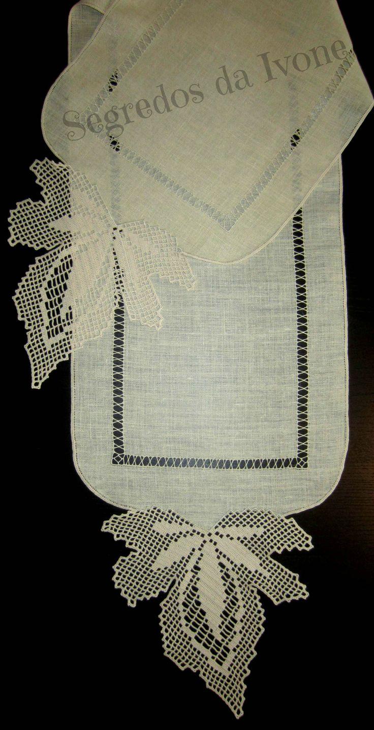 CM46- Crochet em caminho de mesa
