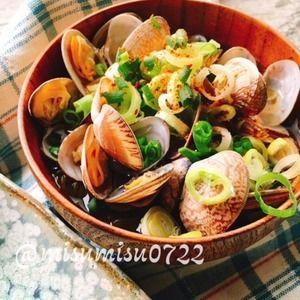 もずくを麺代わりに☆生姜入りアサリうどん風もずくスープ by Misuzuさん | レシピブログ - 料理ブログのレシピ満載! アサリ汁に麺代わりにもずくを加えた  アサリうどん風もずくスープです。  「 アサリうどん 」を何度か見かけ  ふと作ってみたくなったので  もずくで作ることにしました。  砂出ししたアサリをお酒と水...