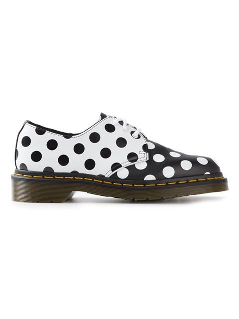 "Achetez Dr. Martens chaussures basses ""Meris"" à pois en Bernardelli from the world's best independent boutiques at farfetch.com. Over 1000 designers from 60 boutiques in one website."