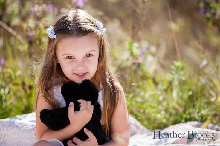#heatherbrooksphotography #littlegirls #sisters #windsorchildrensphotographer #windsornewbornphotographer #essexnewbornphotograpy #essexontario #essexchildrensphotographer #thechildrenoftheworld