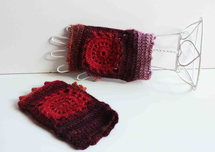 Crochet mittens - Granny Squares - Arabesque design - Volcano Shades (red, powder pink, black) by CraftAroundTheClock on Etsy