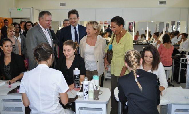 Visite de la ministre George Pau-Langevin dans le micro-lycée d'Agen