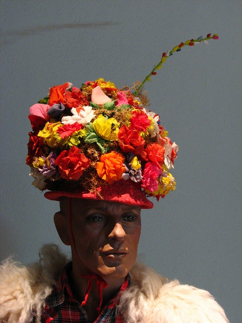 Floral hat by Sparky the Neon Cat, via Flickr #InvasioniDigitali a partire dalle ore 17:00 Invasore: Mario Paffi