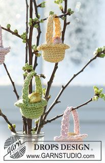 "Easter Baskets - Crocheted DROPS Easter basket in ""Muskat"" and ""Glitter"". - Free pattern by DROPS Design"