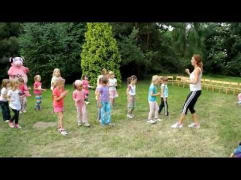 Pigy cvičí s Hankou Kynychovou ve školce - 1. část - YouTube