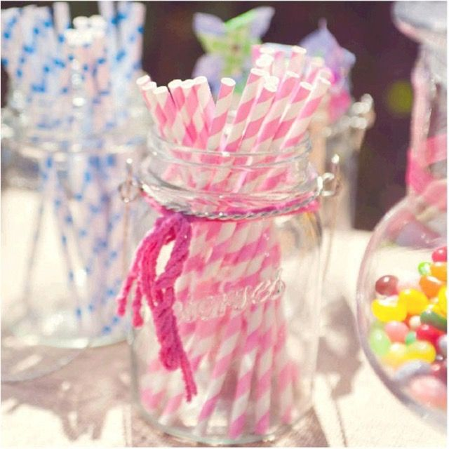 25 Pitillos de papel decorativos para fiestas o eventos, amigables con el medio ambiente, con impresión rayado rosa, café, amarillo y verde.
